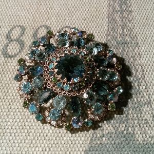 Vintage Australian crystal brooch